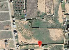 قطعة ارض على البحر البعد عن الشط 500 م فقط خلف قرية العطايا السياحية