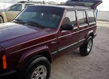 Jeep Cherokee car for sale 2001 in Hamra city