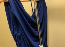فستان أزرق غامق، اخبرني عن سعرك المناسب  Blue dress