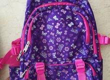 حقيبة مدرسية مستعملة