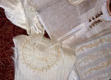 بدلة كبيرة مستعملة علي نضيف استعمال عروسة  مش فضة