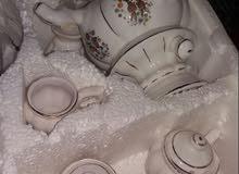 مجموعة من الكواب شاي وغيرها