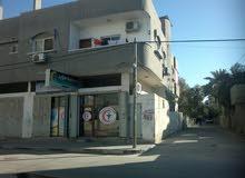 منزل كبير 6 شقق + 5 حواصل في مدينة دير البلح