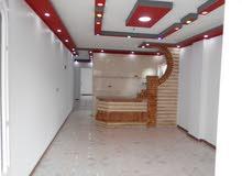 شقة 120م سوبر لوكس ناصية شارع رئيسي , للبيع في شاطئ النخيل
