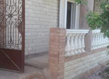 منزل دورين بحديقة منطقة فيلات ببرج العرب