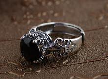 خاتم فضه استرليني متوج بجوهرة من العقيق الأسود النادر الطبيعى الاصلى وليس المعملى