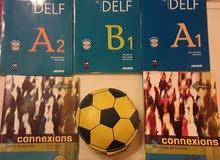 كتب DELF A1 A2 B1 (امتحانات اللغة الفرنسية) (وكالة) + سي دي لكل كتاب + كتابين CONNEXIONS+ محفظة CDs