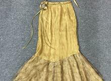 فستان ع شكل تنورة