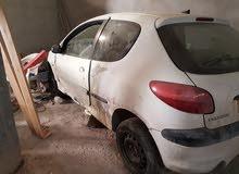 سيارة 206 حالة متوسطة