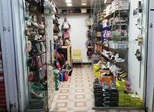 محل احذيه وحقائب نسائيه مع عطور للبيع بالكامل لعدم التفرغ في بغداد حي الامين