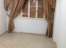 شقة للايجار تقع في الظهرة شارع الاكترونات