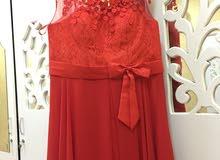 الفستان بحاله ممتازه لبس كم ساعه   فقط