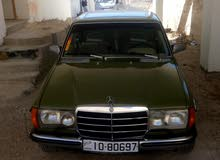 Gasoline Fuel/Power   Mercedes Benz E 200 1982