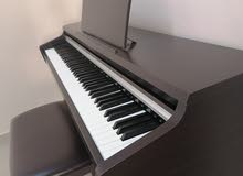 Piano for sale بيانو للبيع
