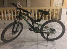 دراجه هوائيه فيها جير ونظيفه