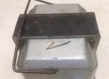 محول كهرباء220/110 2000W  شغال100/100 ثقيل  صعب ان ييوجد مثيل.  مافي منه