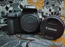 السلام عليكم عندي كاميره كانون 4000D جديده للبيع