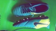 Chaussure de sport حذاء رياضي