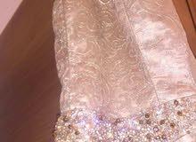 فستان وبدلة استعمال نظيف جدا