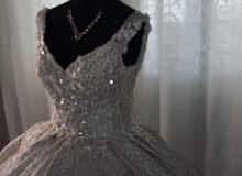 فستان عروس  راقي للبيع