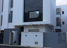 منزل نظام ثلاث شقق تشطيب حديث للبيع