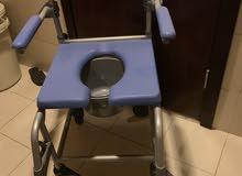 كرسي للحمام لذوي الاحتياجات الخاصة