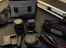 كاميرا كانون 600 d مع المعدات  السعر أرخص عن السوق  السعر 2800 للتواصل 056322456