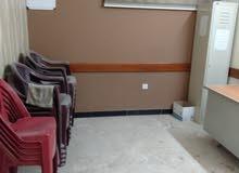 بناية من طابقين للايجار تصلح مجمع طبي او شركة او سكن شقق