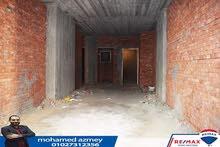 شقه للبيع بالمنصوره شارع احمد ماهر الرئيسي