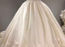 فستـــان زفاف للايجار جميل جدا