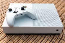 xbox one s with controller and forza horizon 3