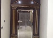 فني ديكور نجار اثاث عام خبرة اكثر من 30سنة بجميع اعمال النجارة