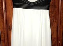 فستان سهرة ابيض طويل