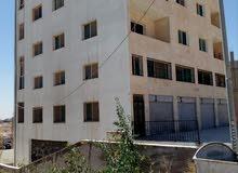عمارة للبيع في منطقة ابو علندا تصلح كإستثمار
