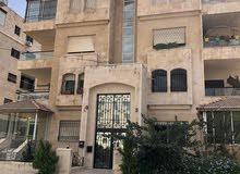 شقة أرضية 194 م الجاردنز  مع حديقة 300م