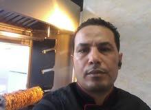 معلم شاورما على الفحم والغاز يبحث عن عمل