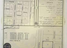 للبيع  ارض سكنية في نزوى في حي التراث خلف مفتوحه من 3جهات فندق جولند توليب