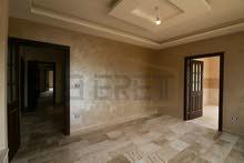 شقة أرضية 180 متر مربع بموقع مميز ضاحية الرشيد خلف مستشفى الحسين