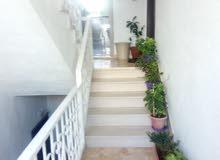 للايجار شقة فارغة سوبر ديلوكس في منطقة ام السماق 3 نوم مساحة 167 م² - ط اول