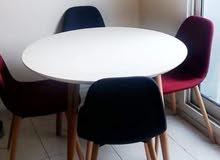 طاولة ابيض ب4كراسي