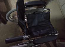 كرسي متحرك لذوي الإحتياجات الخاصة  بحالة جيدة للبيع