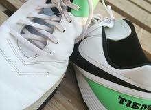 حذاء ترتان ماركة نايك اصلي مستعمل فتره بسيطة بسعر مغرررري