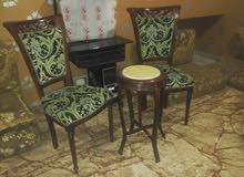 طاوله وكراسي