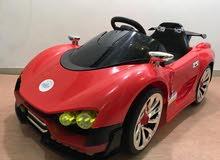 سيارة اطفال كمارو سبورت من عمر سنتين الى 7 سنوات