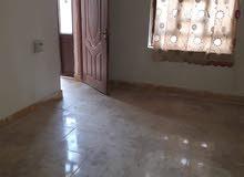 دار للبيع مساحة 200 م طابو مشترك يحتوي على استقبال5/4 هول7/4 غرفة4/5 مطبخ4/4 + حمامات وساونا وبخار