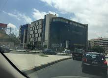 مكتب 100 متر للايجار في الصويفية موقع مميز و سعر ممتاز من المالك