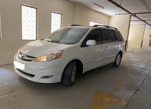 Toyota Sienna 2010 limited – full options, original paints