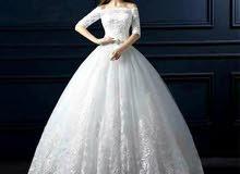 فستان ابيض للبيع