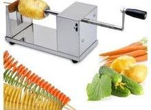 عمل البطاطا والخضروات بشكل حلزوني