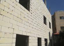 عماره للبيع طابقين الطابق الاول شقتين منفصلتين والثاني شقه واحده كامله